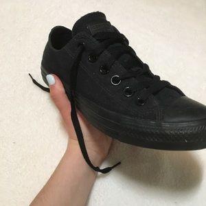 Black Converse ♡